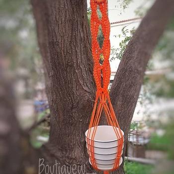 Suspension de plante couleur orange fait main par Boutique W تعليقة النباتات لون برتقالي صناعة حرفية يدوية's image