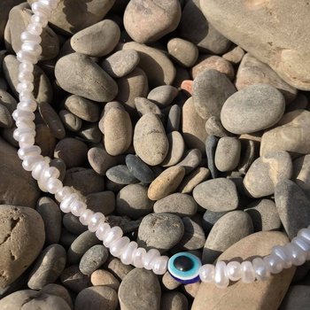 """""""Œil de joher""""  collier en faux Joher avec un pendentif en œil bleu's image"""