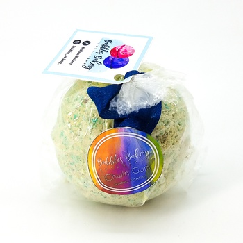 Bath bomb artisanal, bombe de bain senteur chewing gum grande boule fait main par Bubbles Backery كرة استحمام برائحة العلكة بحجم كبير صناعة حرفية يدوية's image