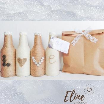 """Ensemble de Vases """"love"""" en verre décorés avec du fil à la toile de jute.'s image"""
