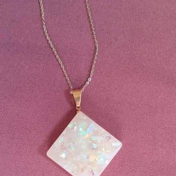 Collier et bracelet avec pendentif en faux opale's image