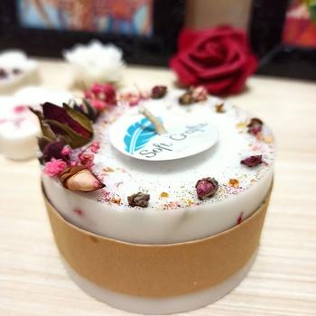 Bougie fleurie parfumée Senteur :  vanille's image