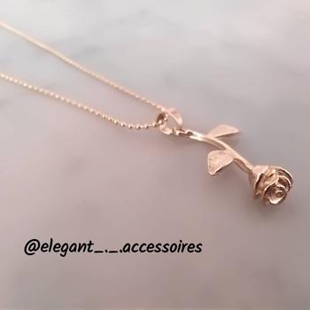 Collier de la rose 🥀's image