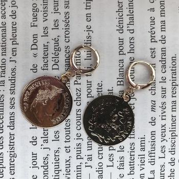Paire de boucle d'oreille inoxydable avec pendentif de Louiza en plaqué or's image