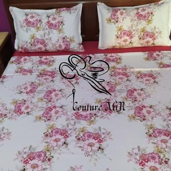 Parure de drap de 6 pièces : drap plat, drap housse,4 taies d'oreillers fait main par Couture des draps A & R couleur blanche mélangée avec du rouge's image
