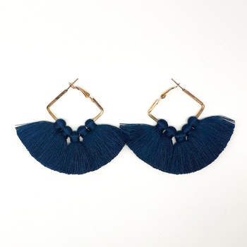 Boucles disque à frange avec pompons couleur bleue's image