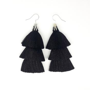 Boucles à frange noir's image