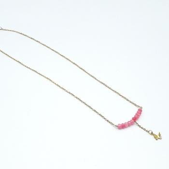 Collier avec des perles couleur rose et une chaine dorée fait main par Créanna Bijoux  قلادة باللون الوردي صناعة حرفية يدوية's image