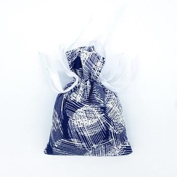 Bourse décoratifs anti tabac senteur lavande fait main Les Senteurs de Lyne كيس ضد رائحة التبغ صناعة حرفية يدوية's image