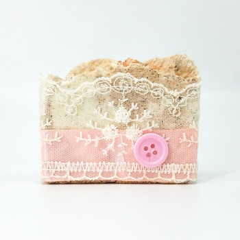 Savon artisanal naturel bio au sel de l'Himalaya  fait main par Magnolia Pearl, handmade soap, صابون طبيعي بملح الهملايا صناعة حرفية يدوية's image
