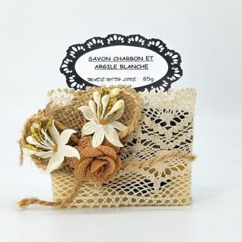 Savon artisanal naturel bio au charbon actif et à l'argile blanche fait main par Magnolia Pearl, handmade soap, صابون طبيعي صناعة حرفية يدوية's image