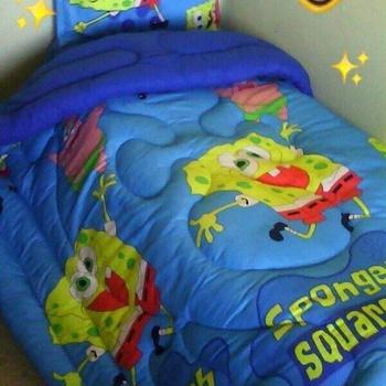 Couette pour enfant une place et demie,  4pièces: Couette, Drap housse, Deux coussins couleur bleue's image
