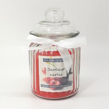 Bougie parfumée en bonbonnière senteur cerise, bougie artisanale fait main par Soft Crafts شمعة معطرة برائحة الكرز صناعة حرفية يدوية's image
