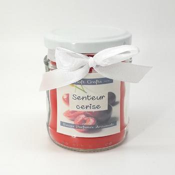 Bougie parfumée en bocal à couvercle senteur cerise, taille moyenne fait main par Soft Crafts شمعة معطرة برائحة الكرز صناعة حرفية يدوية's image