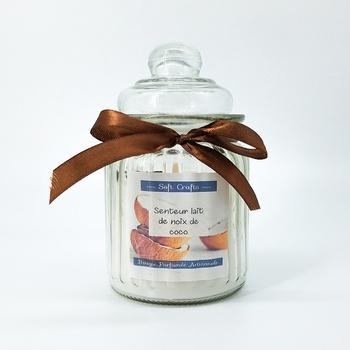 Bougie parfumée en bonbonnière senteur lait de noix de coco, bougie artisanale fait main par Soft Crafts شمعة معطرة برائحة جوز الهند صناعة حرفية يدوية's image