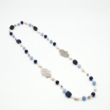 Sautoirs double Khamsa avec des perles semi-précieuses en bleu clair et foncé, un bijoux artisanal fait main par Zarah Bijoux صناعة حرفية يدوية's image